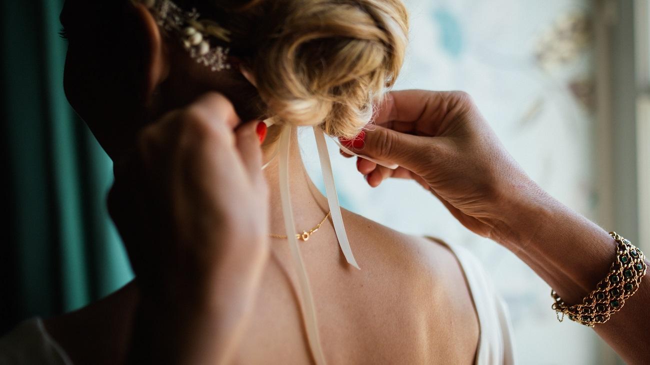 Bride Hair Arrangement