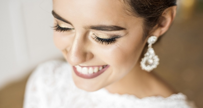 Wedding Beauty Timeline: How to Prepare for the Big Day