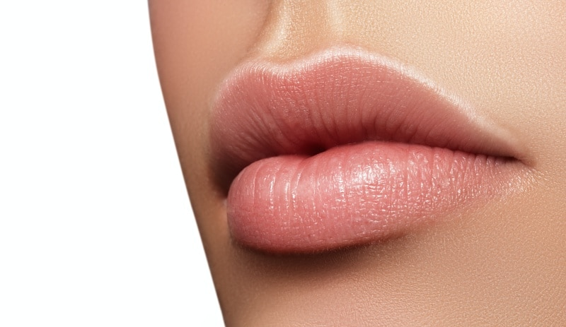 Swelling After Lip Fillers: Do's and Don'ts