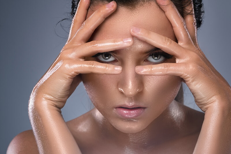 Treatments and prevention tips for oily skin